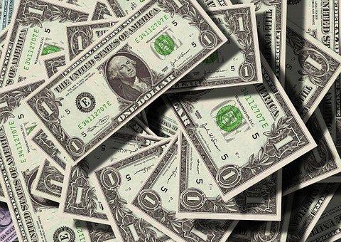 Спрос наналичную валюту упал