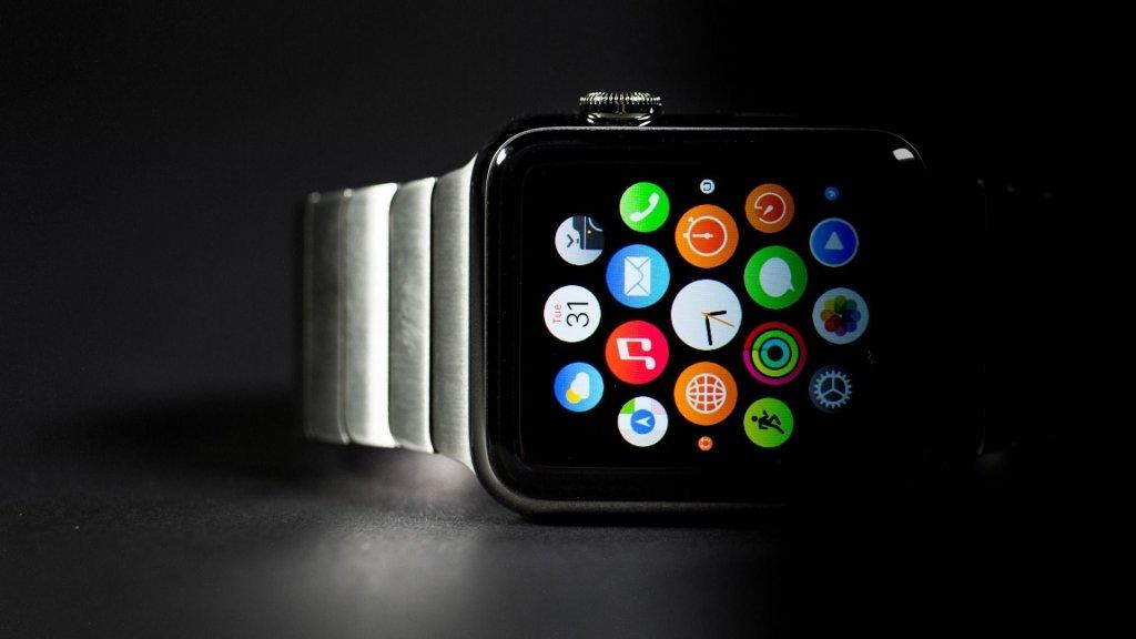 Верховный суд нестал признавать Apple Watch обычными часами